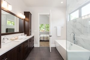 Easy ways to redecorate your bathroom