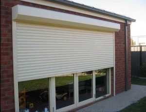 What's the difference between electric and manual roller shutters?